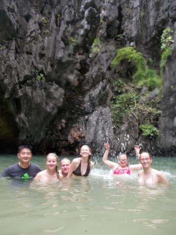 Ringreisil saartele ja laguunidele liitus meiega ka 2 hiinlast (pildil on küll ainult 1)