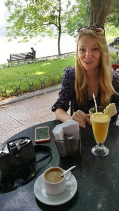 hommikukohvi (Janar hakkas Vietnamis kohvi jooma. iga päev.)