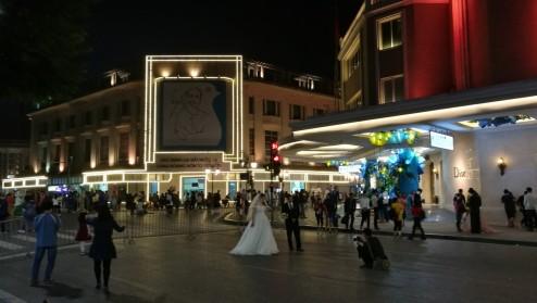 tagasi Hanois. pühapäeviti on vanalinnas suured tänavad kinni ja rahvale nautimiseks.