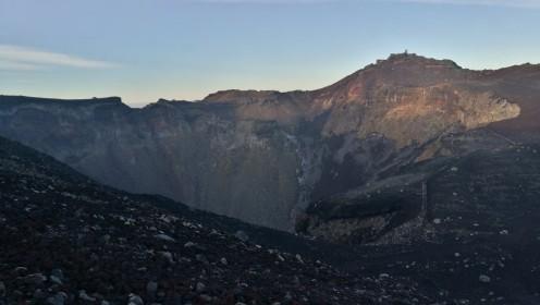 Kraater üksi ka