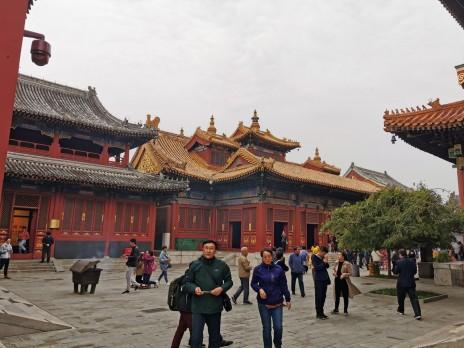 endiselt veel Lama templis